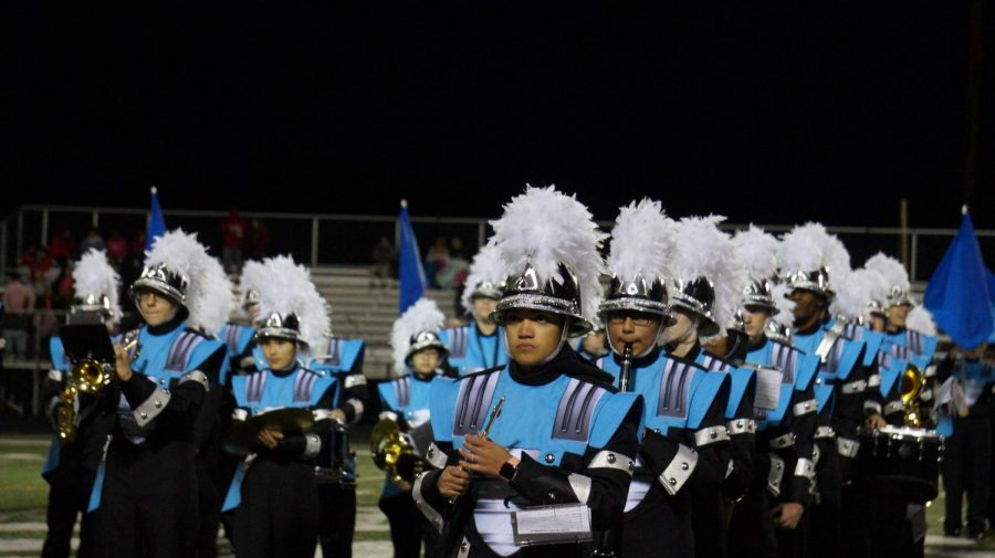 Go+Vikings%21+Marching+Band+ready+themselves+to+play+at+the+Homecoming+game.