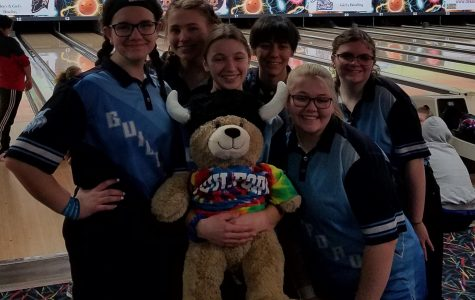 Girl Bowlers celebrate winning season