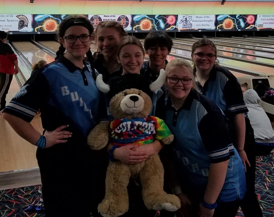 Girl+Bowlers+celebrate+winning+season